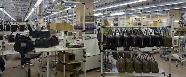 Loewe abre sus puertas en madrid un sereno transitando - Fabrica de puertas en madrid ...