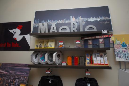 interior-tienda-madrid-al-cubo