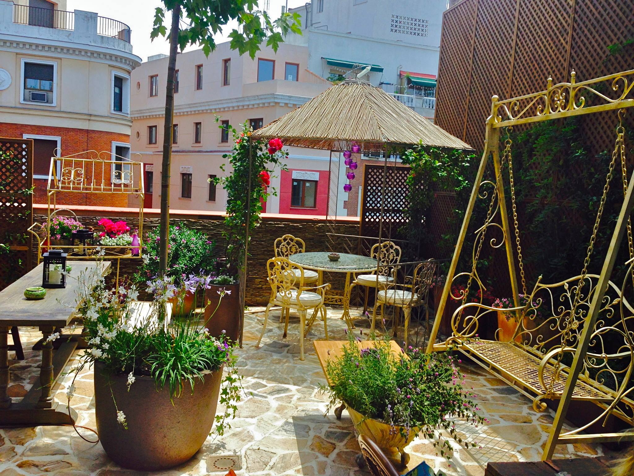 8 terrazas con vistas panor micas de madrid un sereno for Cafe el jardin secreto