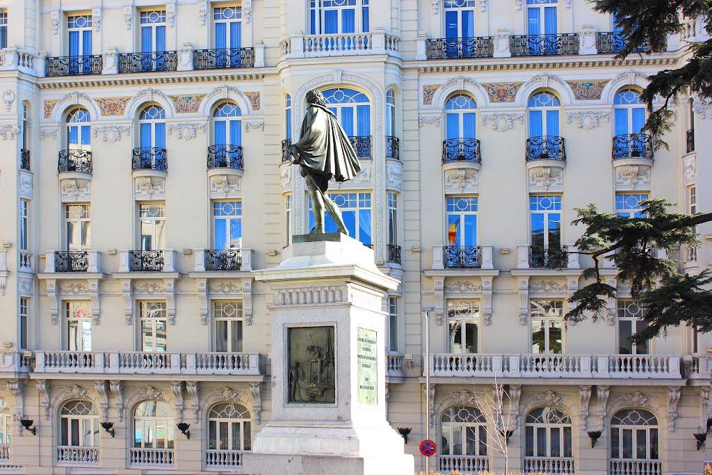 Cervantes Plaza de Las Cortes