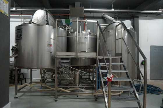 Interior fabrica cervezas la vallecana
