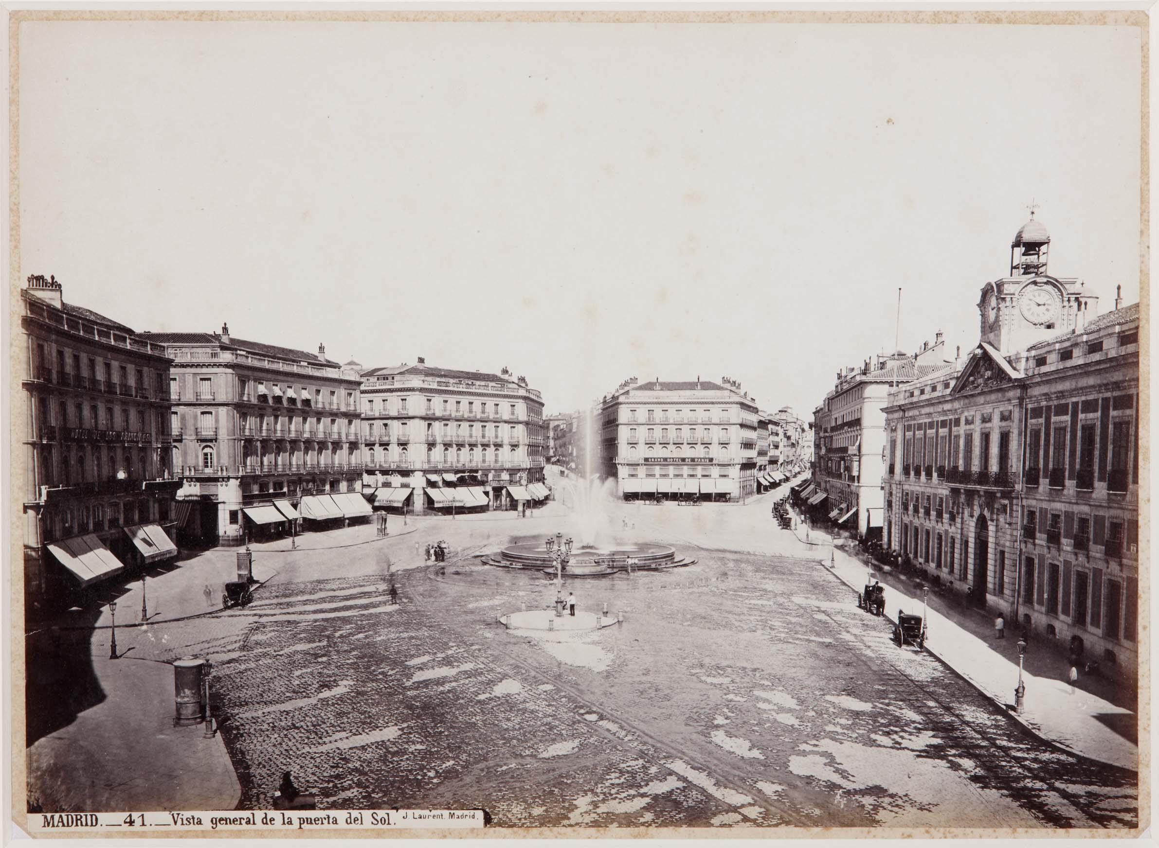 Madrid retratado por jean laurent 1816 1886 un sereno for Fuente de la puerta del sol