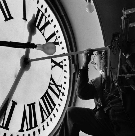Celebraci n del 150 aniversario del reloj de la puerta del for El reloj de la puerta del sol