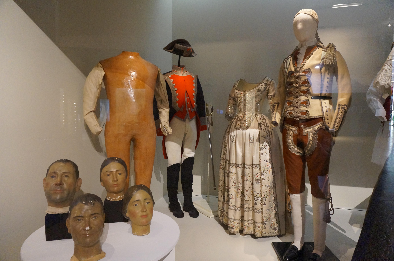 eb9114099969 El Museo del Traje rescata sus fondos de indumentaria tradicional ...